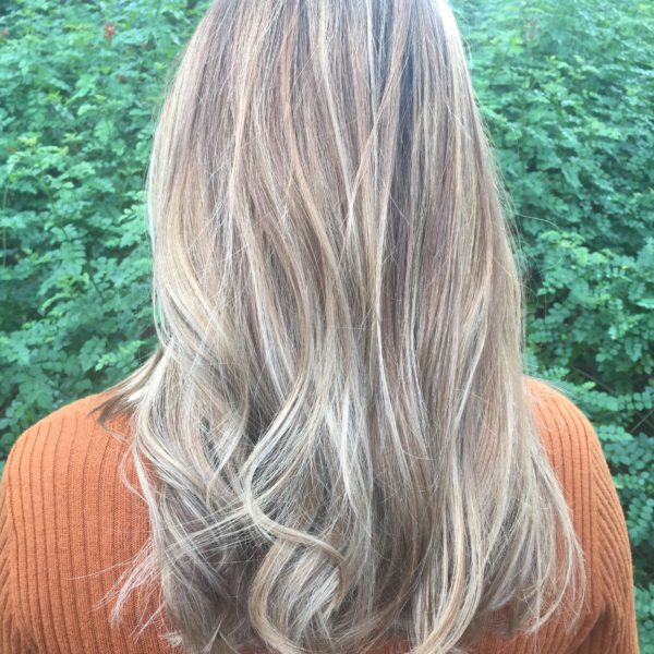 bombshell-blowout-loosewaves-back